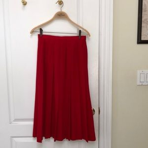 Red pleated 100% wool skirt 10 petite